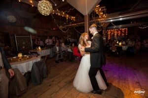 Barn_Wedding_Dance